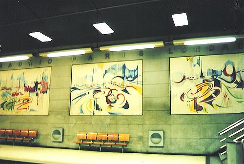 Restauradores metro station